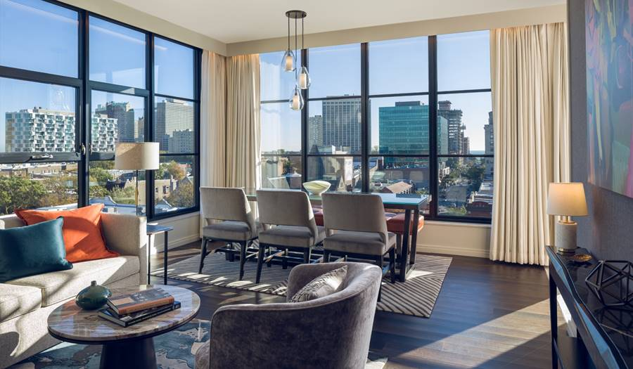 Luxurious Chicago Hotel Accommodations - Dorchester Suite